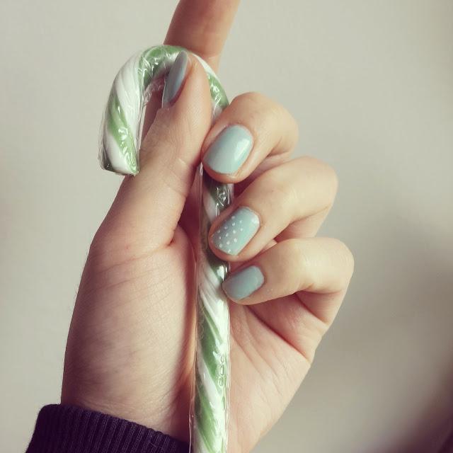 Les petits pois ou ... le nail-art pour les nulles
