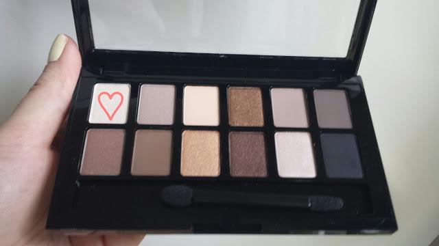Un maquillage avec la palette The Nudes de Maybelline