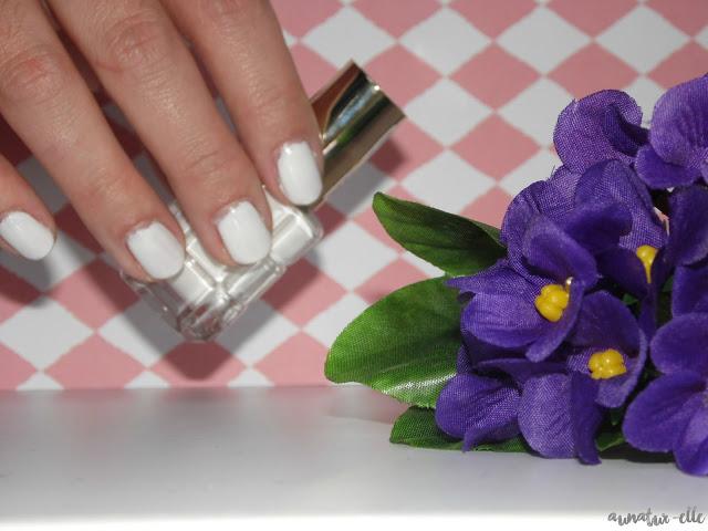 swatch vernis blanc 112 l'oréal