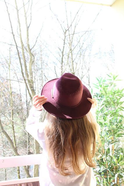 comment porter le chapeau bordeaux ?