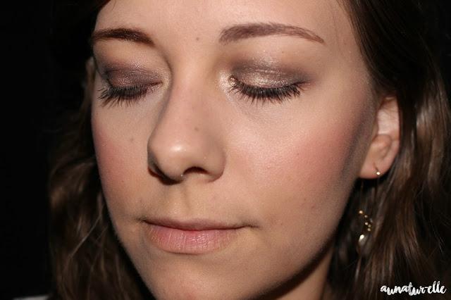 maquillage bleu pétrole et violet