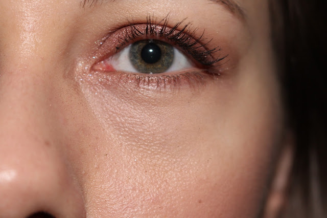 burgundy make-up for green eyes