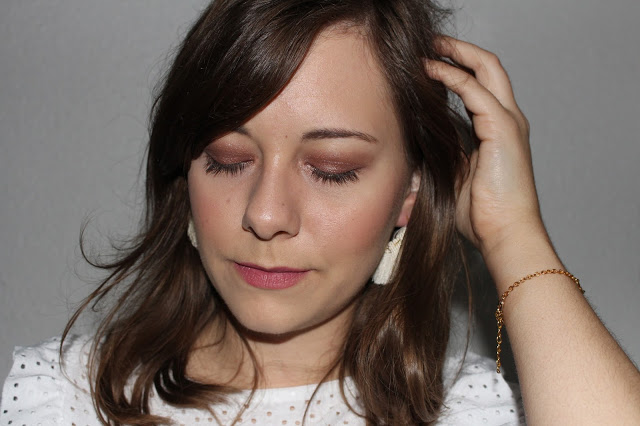 maquillage avec la burgundy bar
