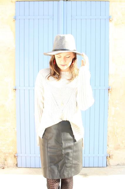 oser le chapeau gris