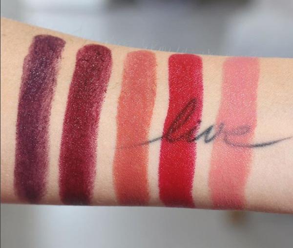 swatch coffret rouge à lèvres super lustrous Revlon par elsamakeup