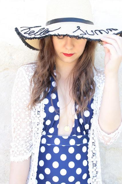 maillot de bain bleu marine à pois blanc pas chère