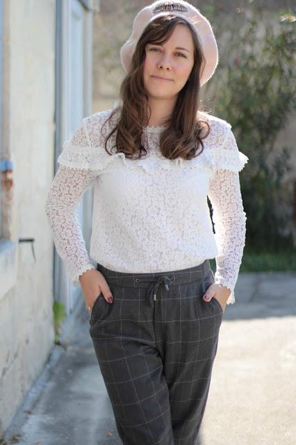 Le pantalon à carreaux gris kiabi