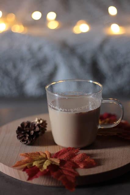 chaï tea latte, une délicieuse boisson pour l'automne