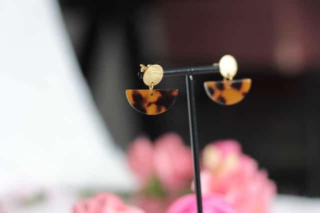 DIY bijoux : des boucles d'oreilles tendances