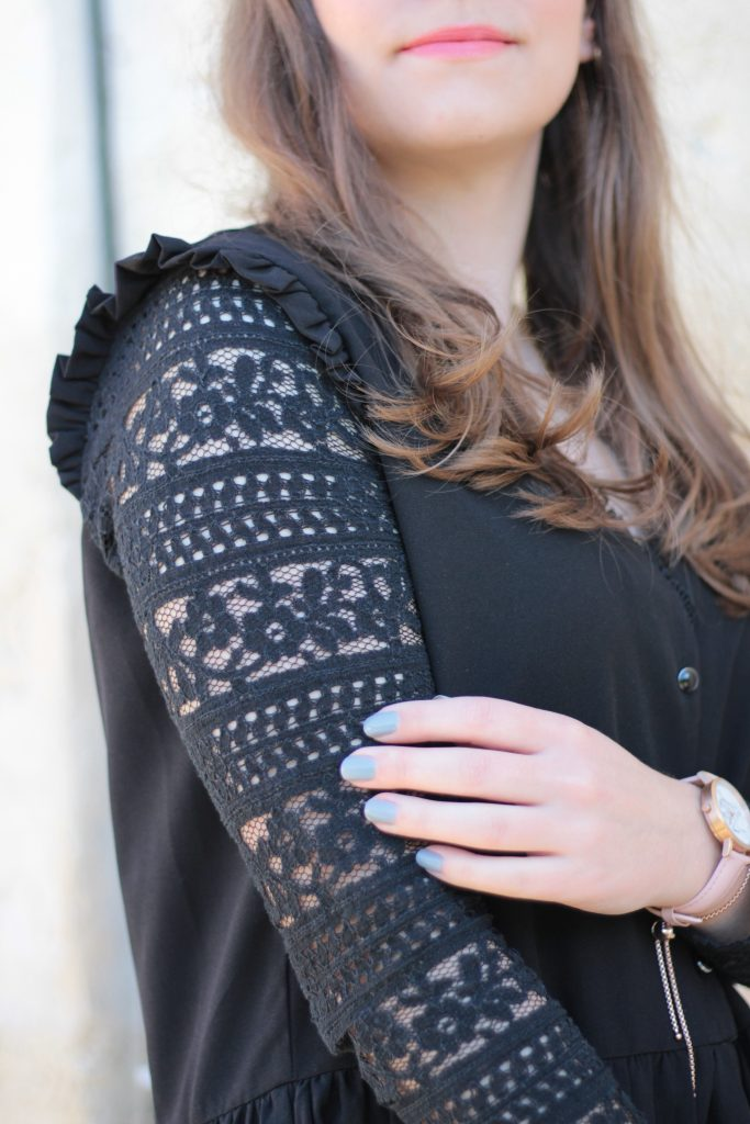 black-dress-lace-aunatur-elle