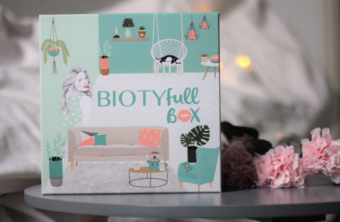 Unboxing de la biotyfull box de mai 2019 la hygge. Aunatur-elle, blogueuse beauté naturelle et bio