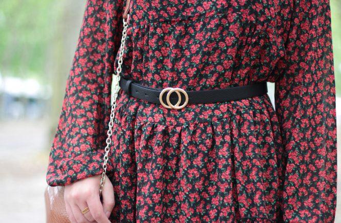 Ceinturer une robe pour un effet plus structuré - Aunatur-elle, blogueuse mode de Bordeaux