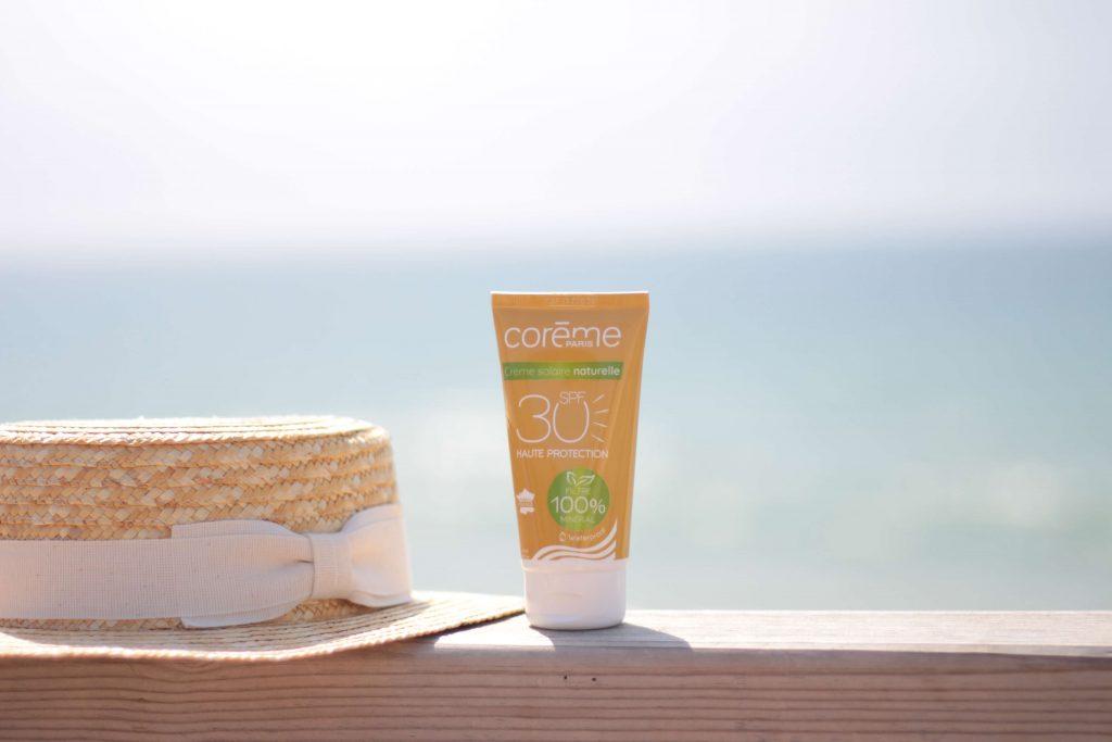 Crème solaire SPF 30 waterproof, Corème Paris issu de la Biotyfull box de juillet 2019. Aunatur-elle, blogueuse beauté naturelle #boxbeautenaturelle