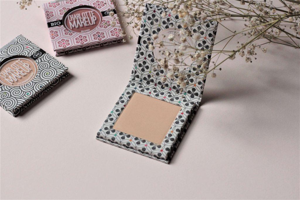 Poudre compacte matifiante en teinte opale Charlotte makeup BIO. Aunatur-elle, blogueuse beauté naturelle et bio