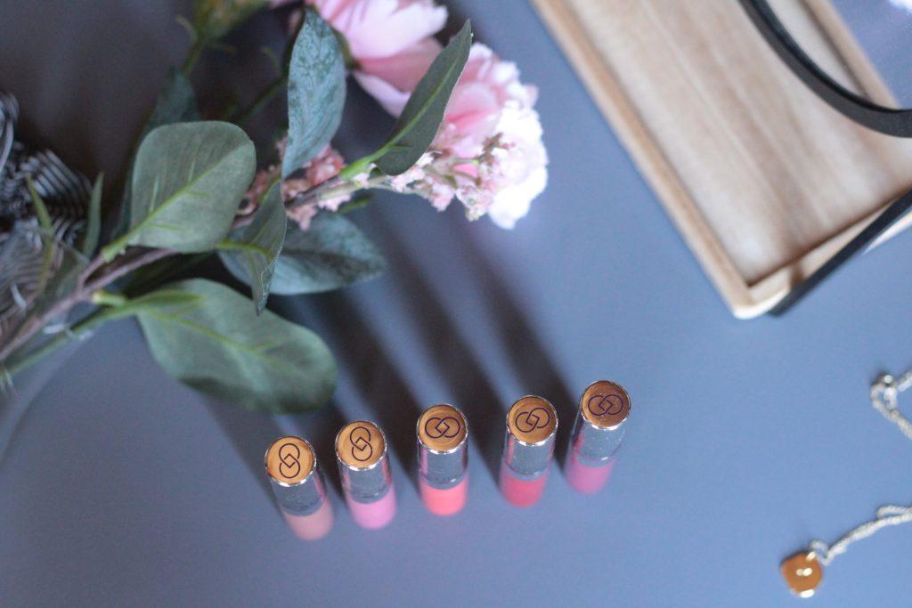 Repulper vos lèvres naturellement avec les gloss repulpants à l'acide hyaluronique Dr Pierre Ricaud. Aunatur-elle