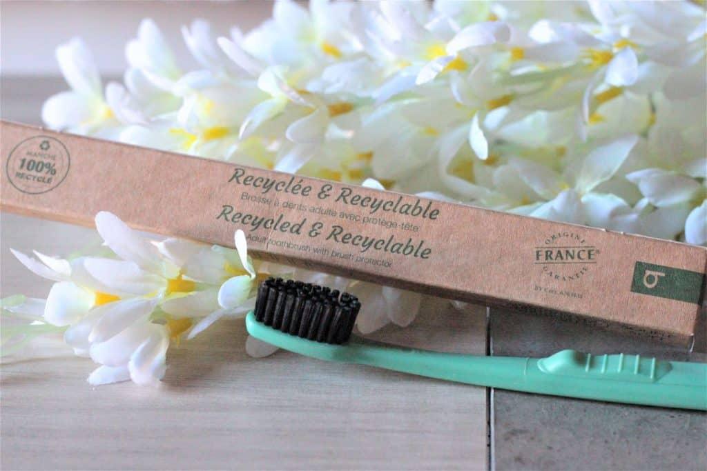 Brosse à dents recyclée et recyclable - Bioseptyl. Aunatur-elle, blog beauté naturel